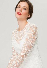 IVY & OAK BRIDAL - EMBROIDERED BRIDAL DRESS - Suknia balowa - snow white - 5