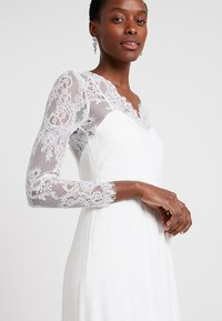 IVY & OAK BRIDAL - LONG BRIDAL DRESS - Iltapuku - snow white - 4