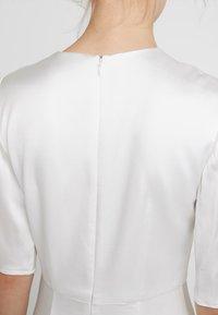IVY & OAK BRIDAL - DRESS - Společenské šaty - snow white - 5