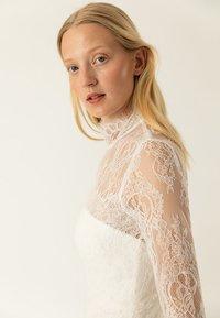 IVY & OAK BRIDAL - BRIDAL LACE TAPES - Společenské šaty - white - 4