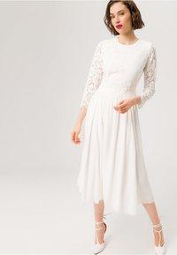 IVY & OAK BRIDAL - BRIDAL 2IN1 MIDI  - Cocktail dress / Party dress - snow white - 0