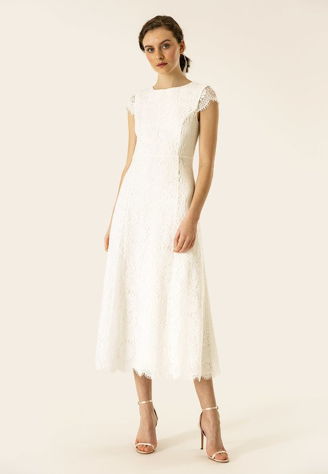 Occasion wear - white