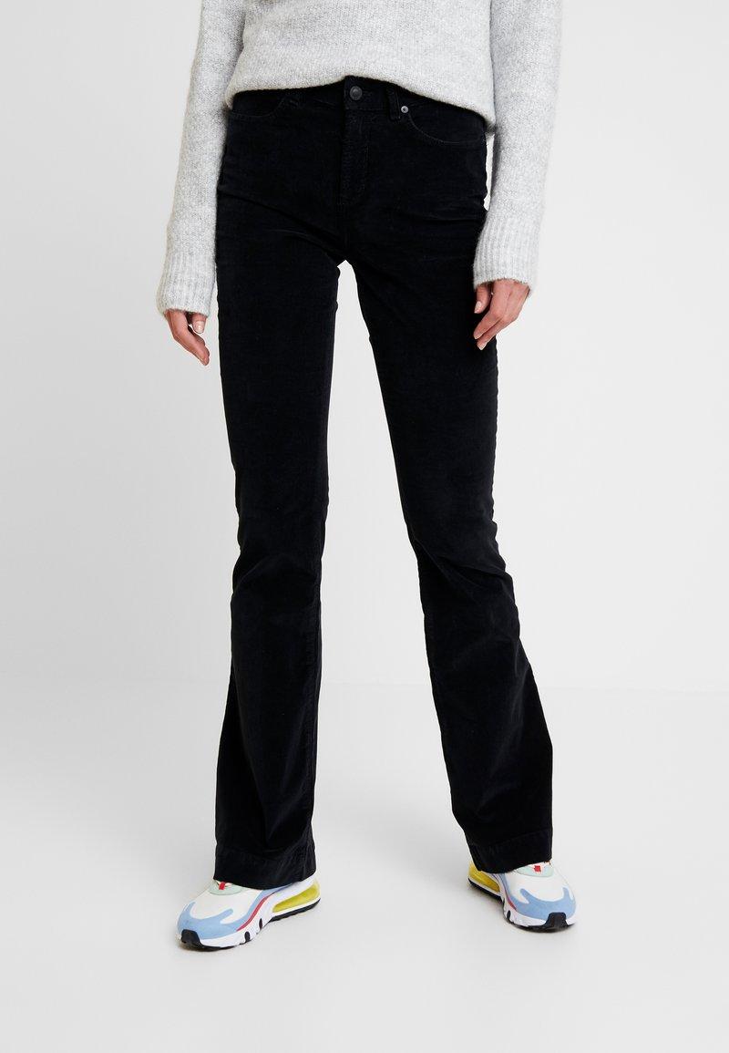 Ivy Copenhagen - TARA FLARE BABY - Pantalon classique - black