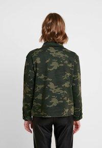 Ivy Copenhagen - ALEXA CAMO JACKET - Let jakke / Sommerjakker - camouflage - 2