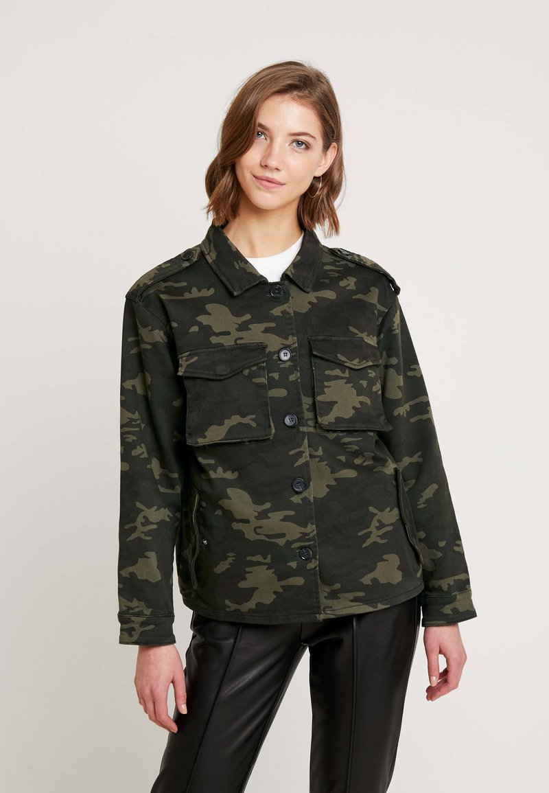 Ivy Copenhagen - ALEXA CAMO JACKET - Let jakke / Sommerjakker - camouflage