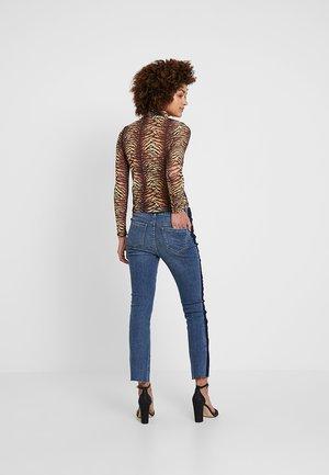 JOHANNA KICK FLARE SIGNATURE PERUGIA - Jeans Slim Fit - denim blue