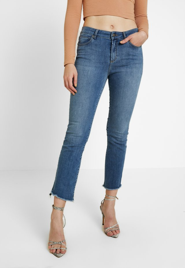 JOHANNA KICK FLORENZE - Flared jeans - denim blue