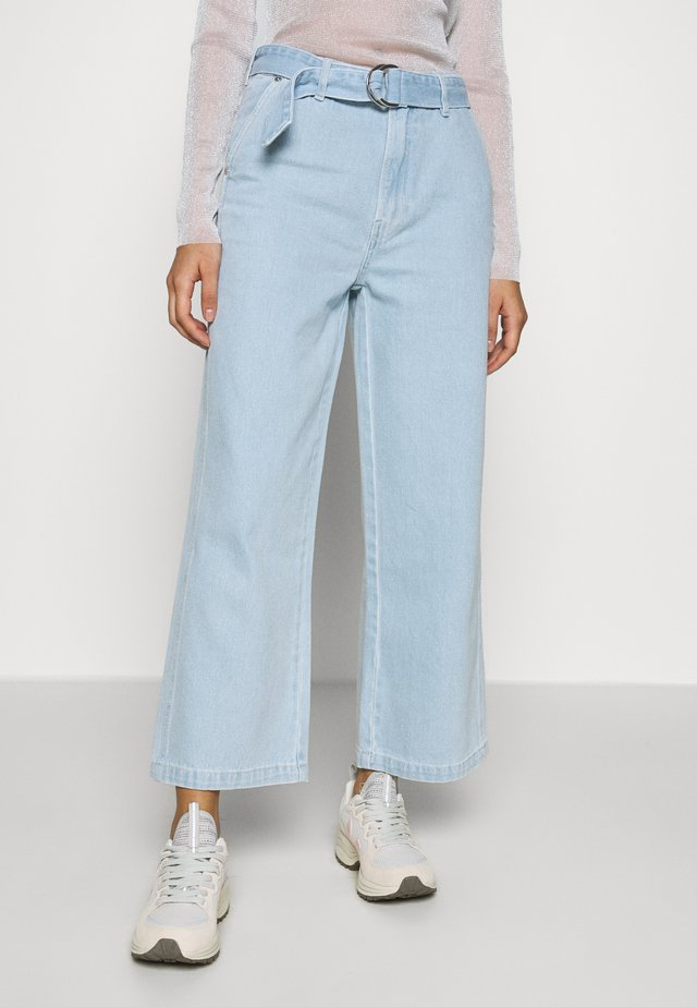 LOLA CULOTTE PORT DANDRATX - Relaxed fit -farkut - denim blue
