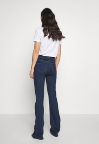 Ivy Copenhagen - TARA WASH - Flared jeans - denim blue - 2