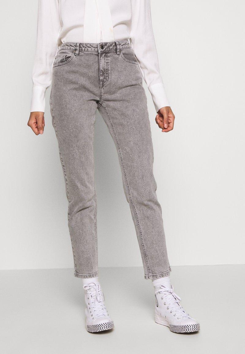 Ivy Copenhagen - LAVINA MOM - Jeans Relaxed Fit - grey