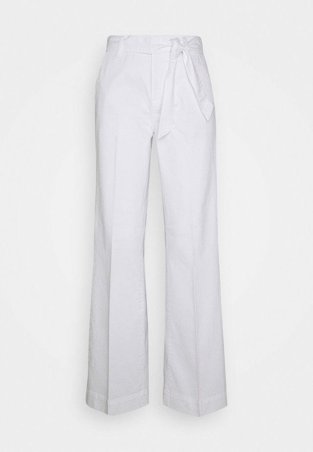 AUGUSTA FLARE OPTICAL  - Bukser - white