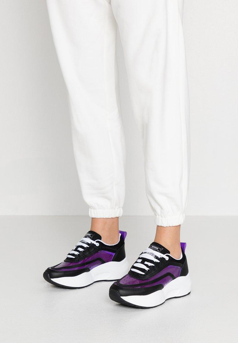 Sixtyseven - Sneaker low - action black/vini purple