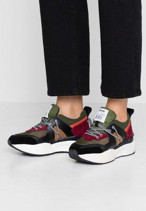 MINAMI - Sneakers laag - black/fuchsia/turqoise