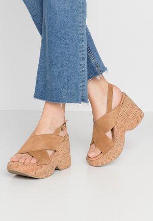 NOISE - Sandály na vysokém podpatku - tan