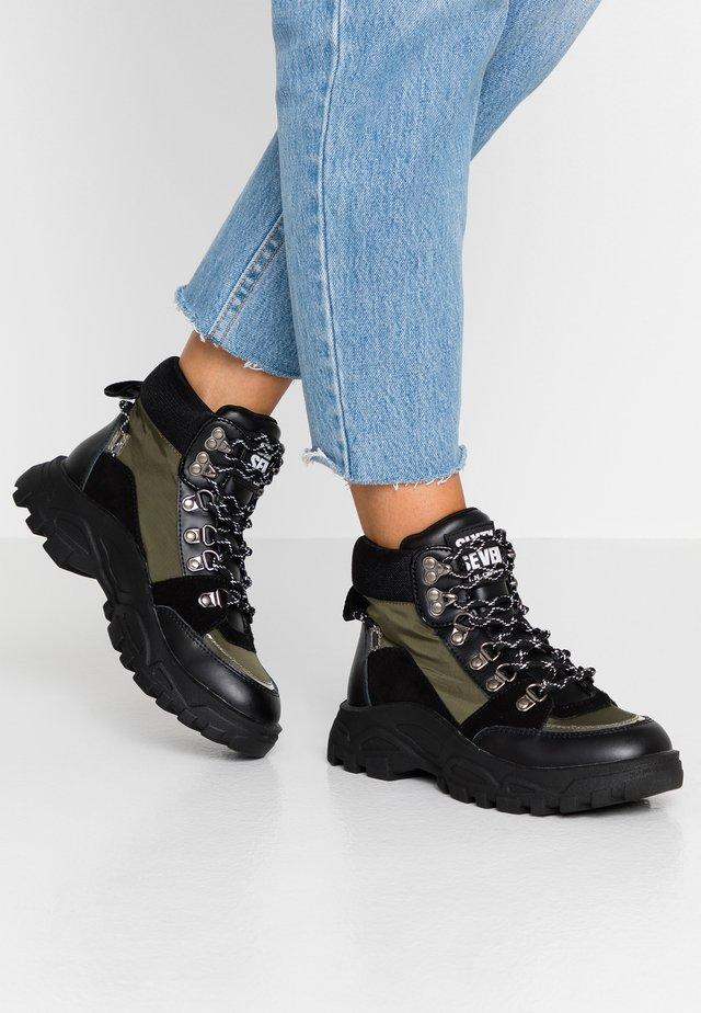ARIZONA - Kotníková obuv - kaki