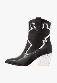 Sixtyseven - BONE - Cowboy/biker ankle boot - black/transparent - 1