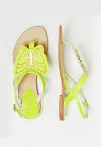 IZIA - T-bar sandals - lime - 2