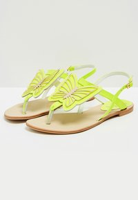 IZIA - T-bar sandals - lime - 3