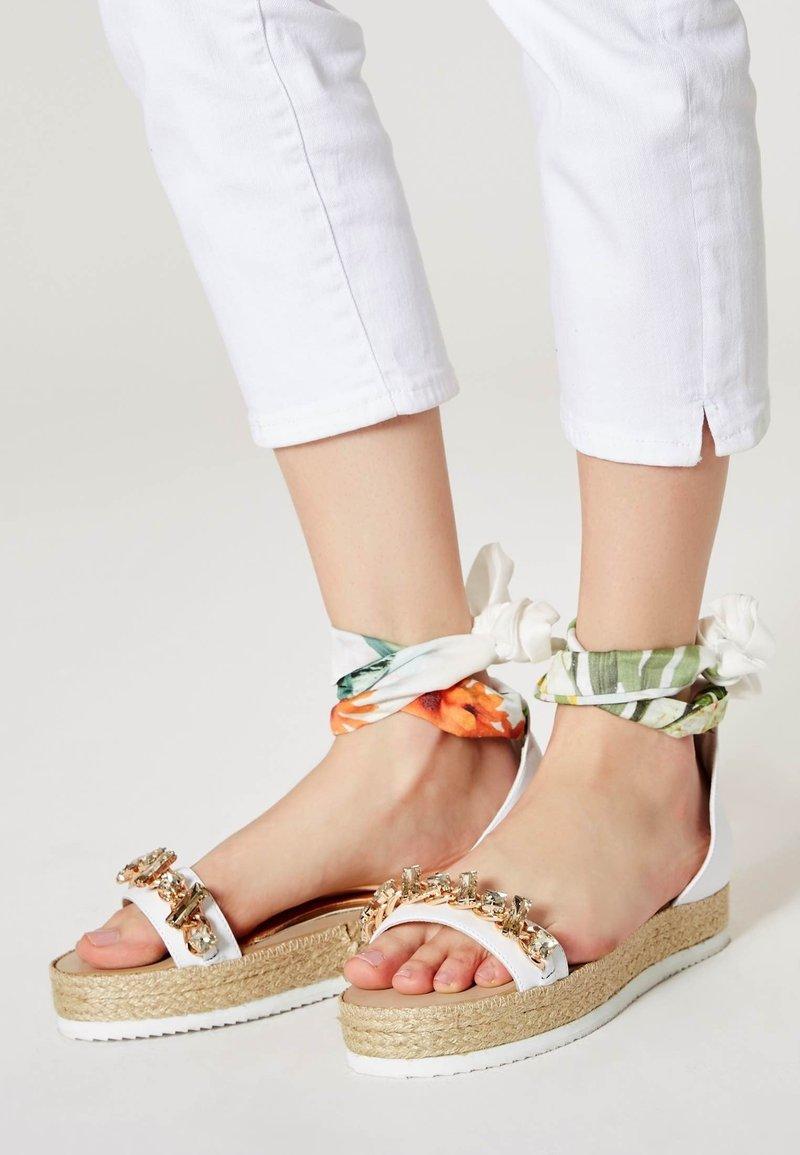 IZIA - Platform sandals - white