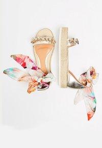 IZIA - Platform sandals - gold - 2
