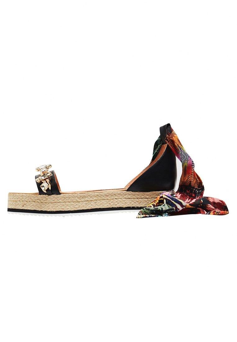 IZIA Sandales à plateforme - black