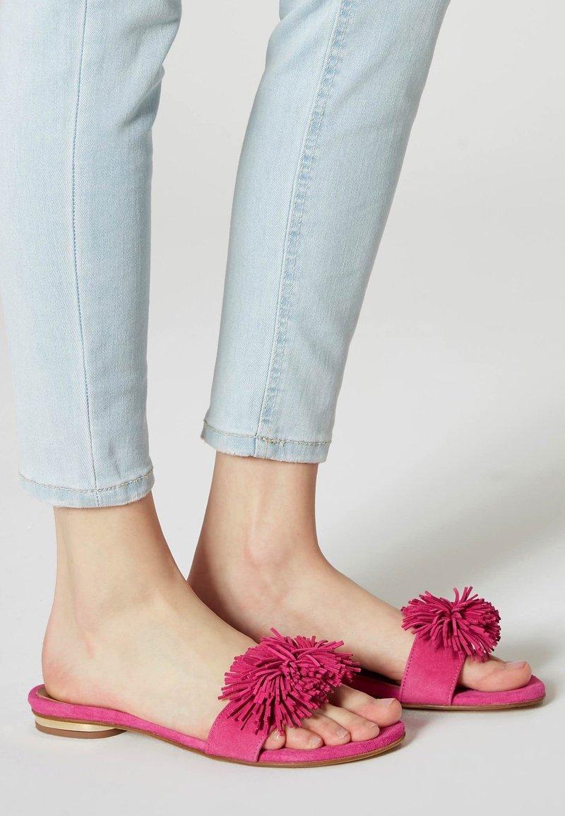IZIA - Slippers - pink