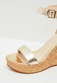 IZIA - High heeled sandals - gold - 6