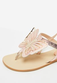 IZIA - T-bar sandals - rose gold - 6