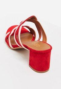 IZIA - Sandaler - red - 4