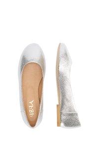 IZIA - Ballet pumps - silber - 2