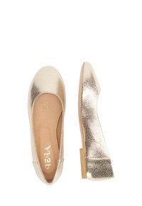 IZIA - Ballet pumps - gold - 2