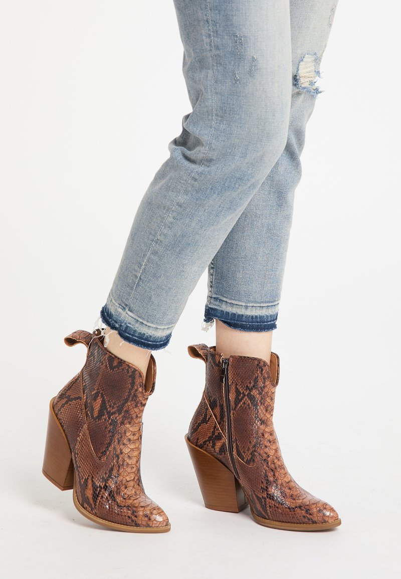 IZIA - High heeled ankle boots - schlange