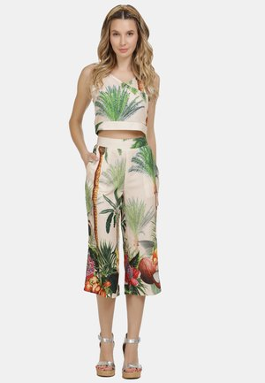 IZIA CULOTTE - Trousers - tropical print