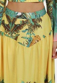 IZIA - Pleated skirt - tropical print - 3