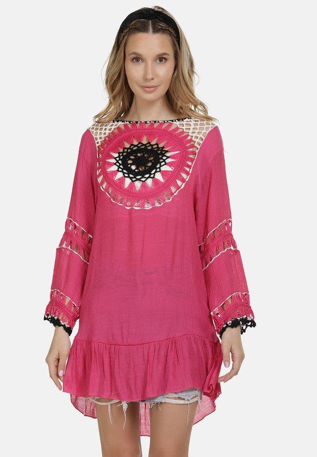 IZIA TUNIKAKLEID - Day dress - pink