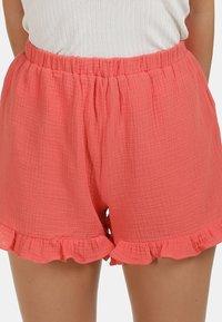 IZIA - IZIA SHORTS - Shorts - pfirsich - 3