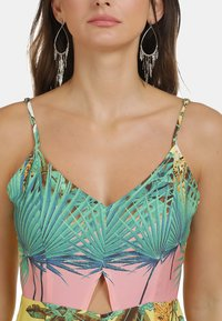 IZIA - Jumpsuit - tropical print - 3