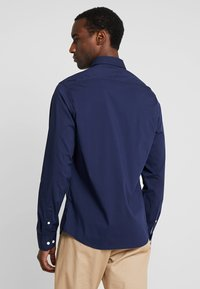 IZOD - Skjorta - dark blue - 2