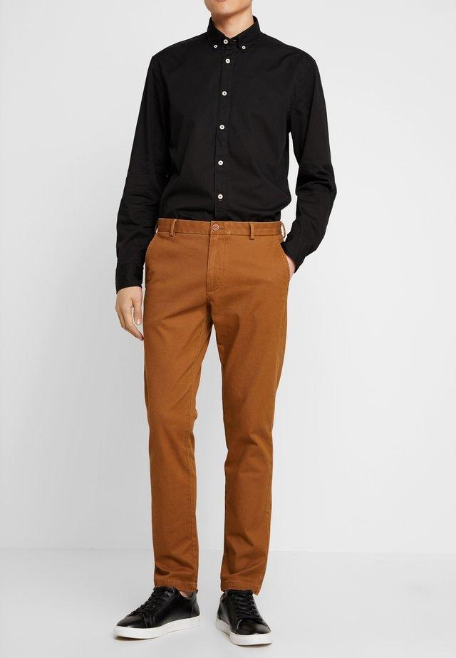 Chino - havanna brown