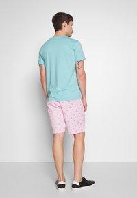 IZOD - SEATURTLE - Shorts - pink lady - 2