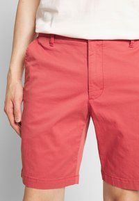 IZOD - SALTWATER - Shorts - red - 3