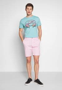 IZOD - SALTWATER - Shorts - pink lady - 1