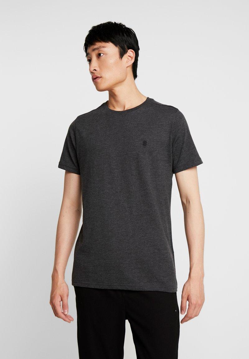 IZOD - CHEST LOGO BASIC TEE  - Camiseta básica - black heather