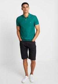 IZOD - Poloshirts - evergreen - 1