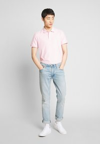 IZOD - PERFORMANCE - Poloskjorter - pink lady - 1