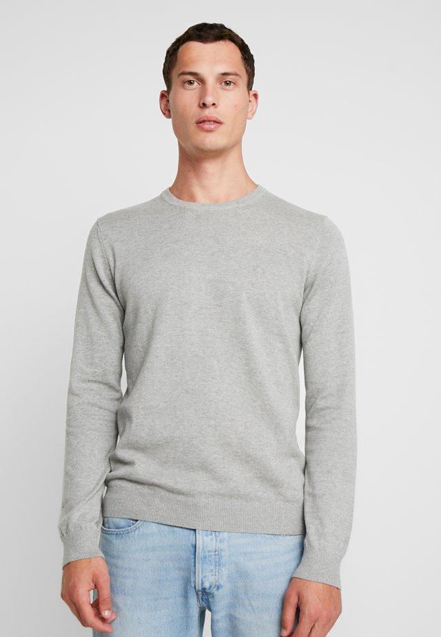 CREW NECK - Stickad tröja - grey