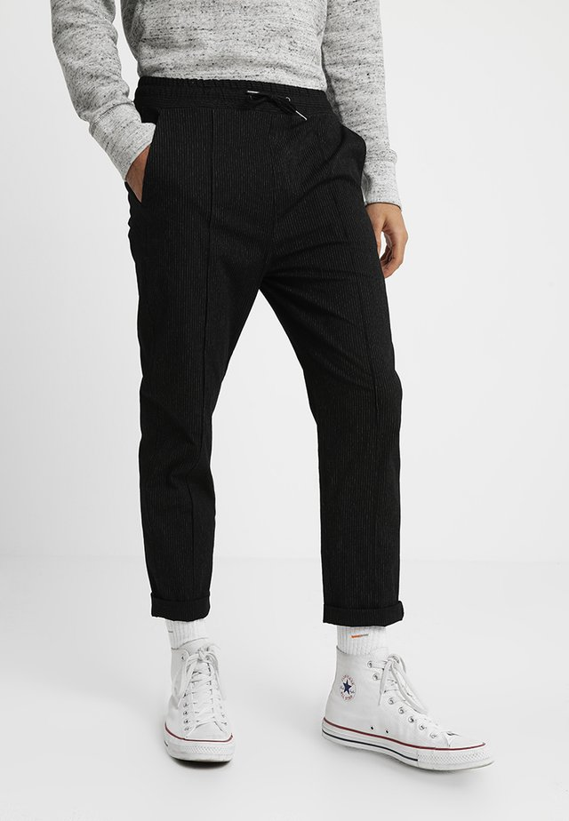 MAIN LOOSE PIN - Stoffhose - black