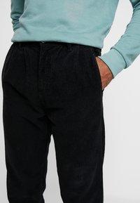 Just Junkies - BOX CORDUROY - Trousers - black - 3