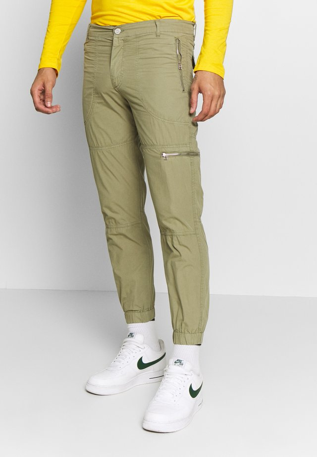 RAMBO - Trousers - army
