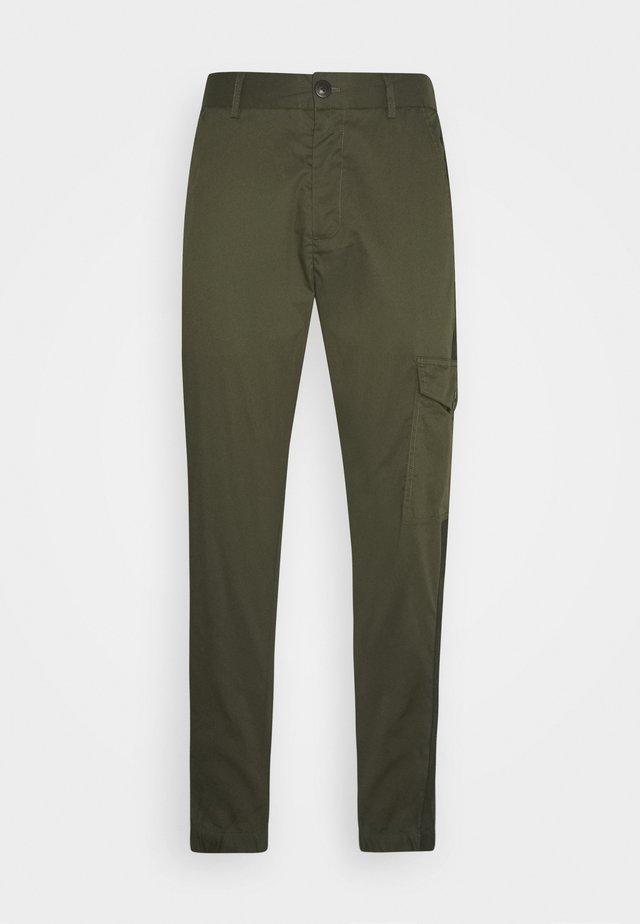 MASON PANTS - Pantaloni cargo - army